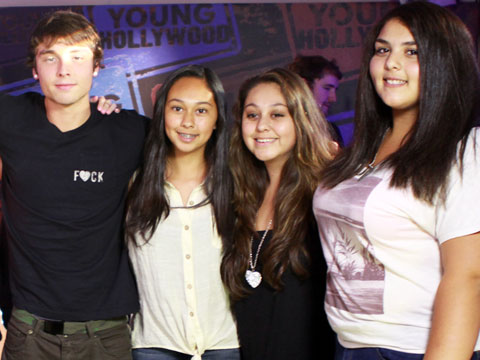 Emblem3 hangs with lucky fan winners at the yh studio the fan girl emblem3 hangs with lucky fan winners at the yh studio m4hsunfo