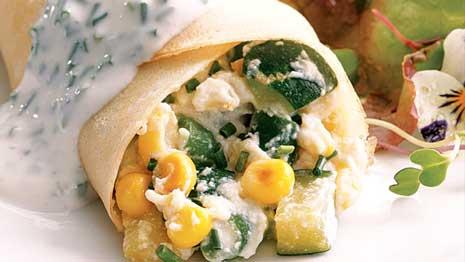 See how to make easy vegetable crepes