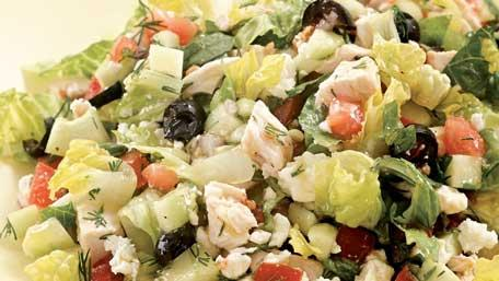 See how to make a healthy Greek salad