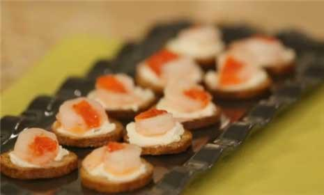 See how to make a quick shrimp appetizer