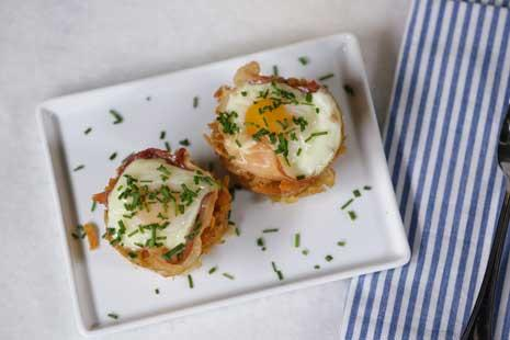 Learn to Bake Eggs in Your Muffin Tin!