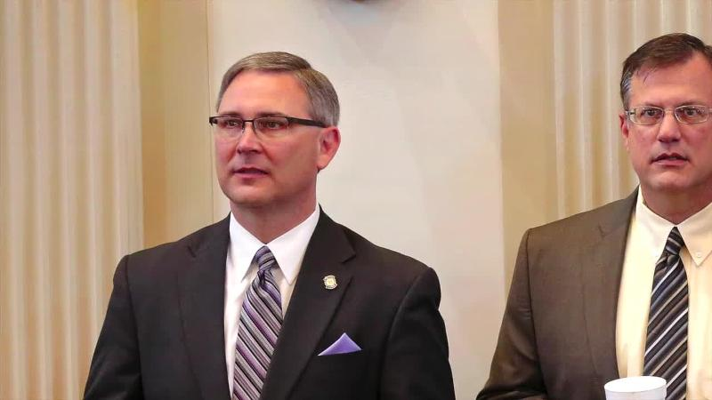 Ten Oklahoma House candidates line up after resignation