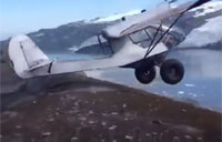 Extremely Risky Plane Takeoff