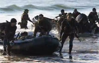 Recon & Amphibious Marines Work Together