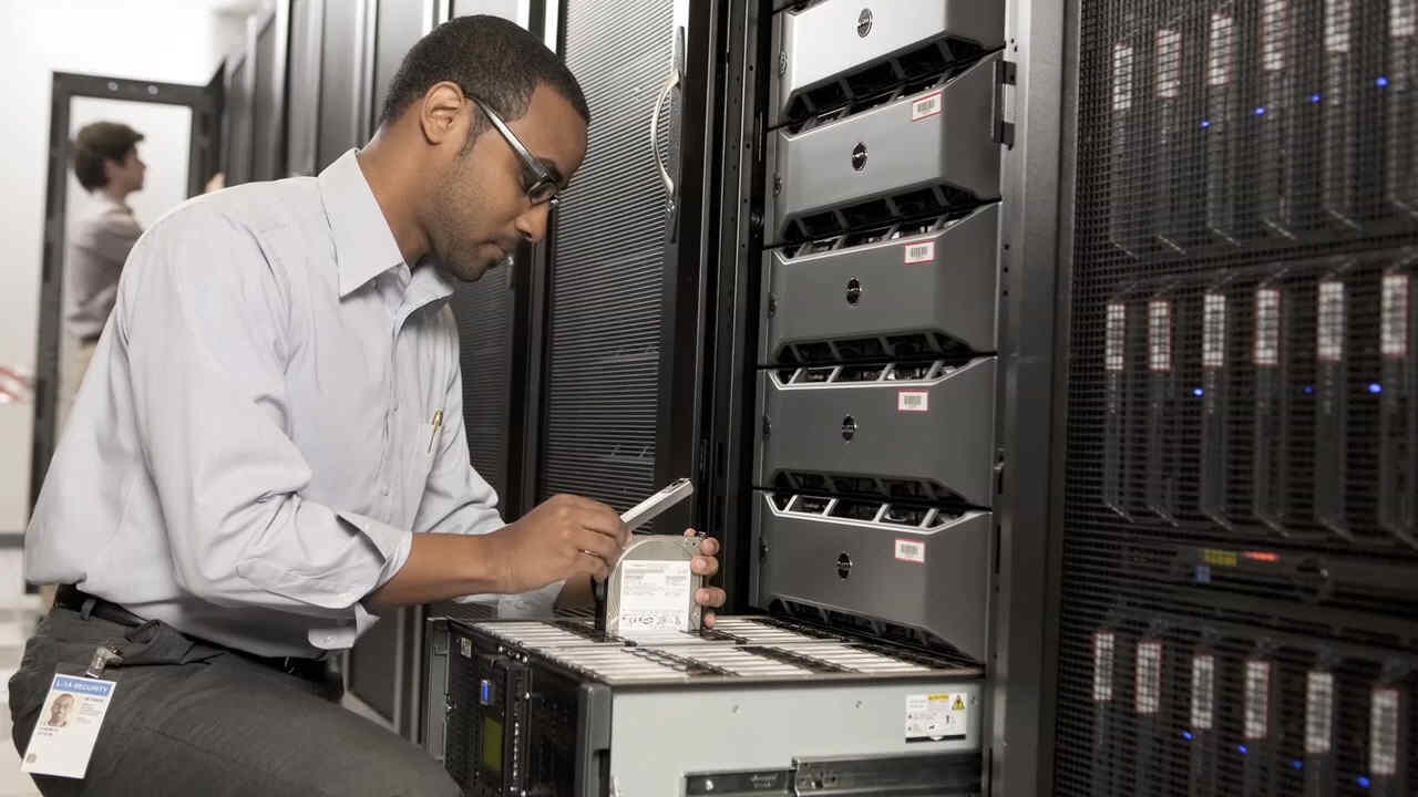 Ensure data availability within the tightest backup windows with Dell PowerVault appliances