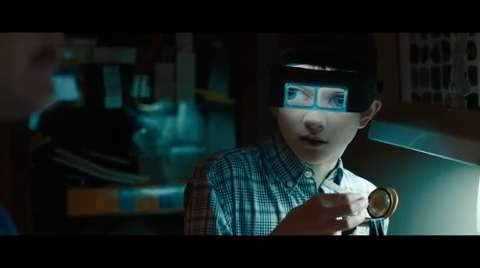 Extremely Loud & Incredibly Close - Clip #1