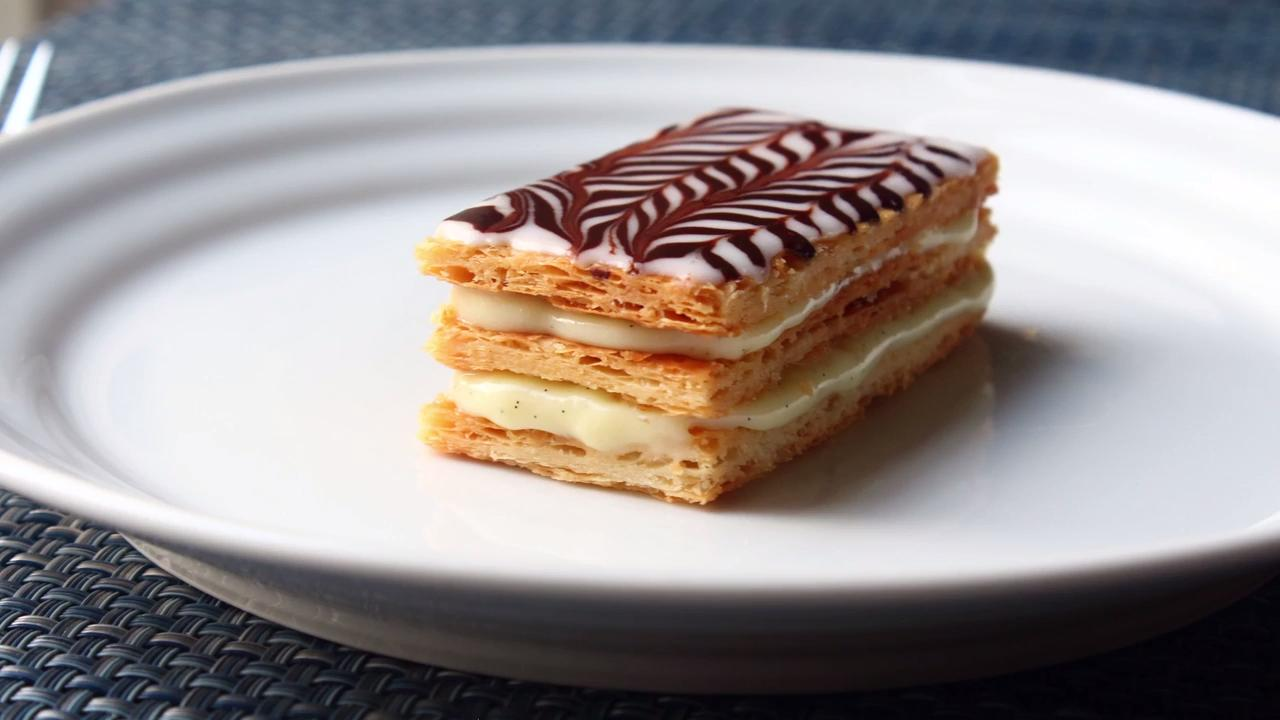 napoleon puff pastry We're leaving the homemade puff pastry to the pastry chefs and using a shortcut to make these super simple overstuffed napoleons this classic, bakery-style delight is creamy, rich, and an.
