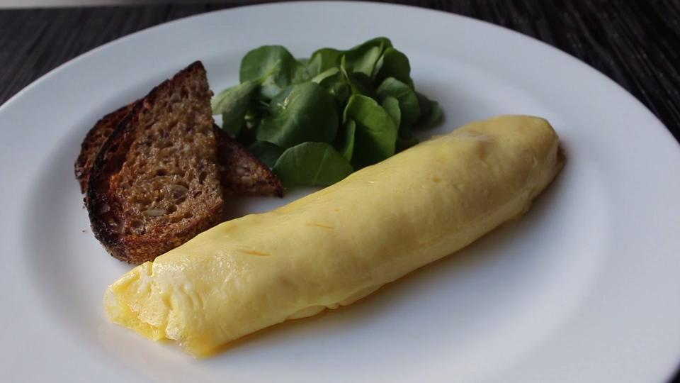 how to make a french omelette video